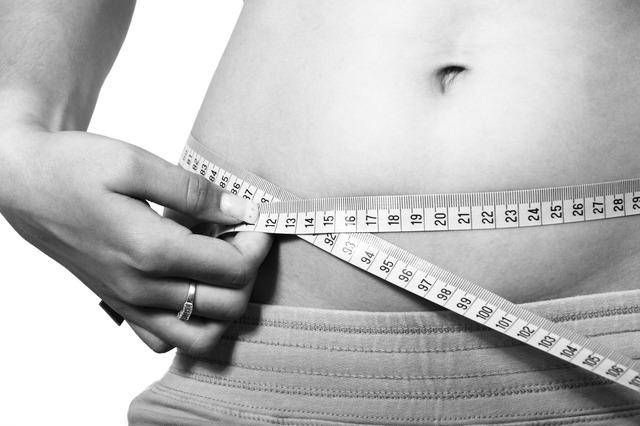 břicho, krejčovský metr