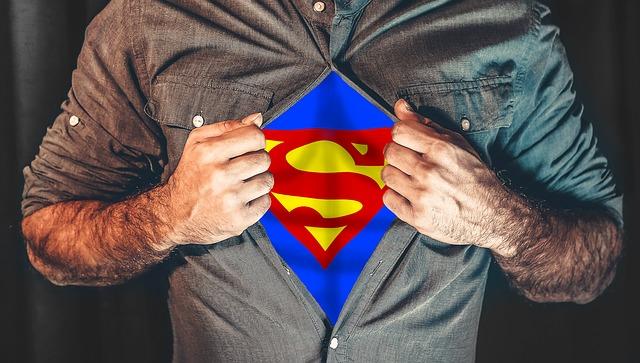 Superman pod košilí