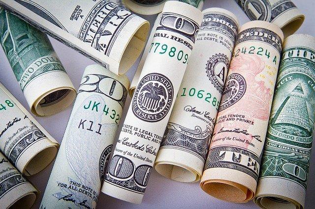 ruličky z bankovek.jpg