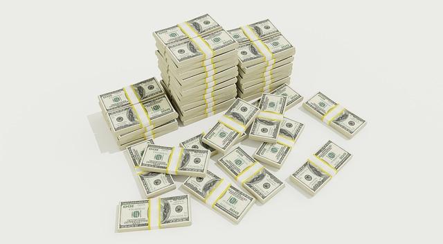 balíčky peněz.jpg