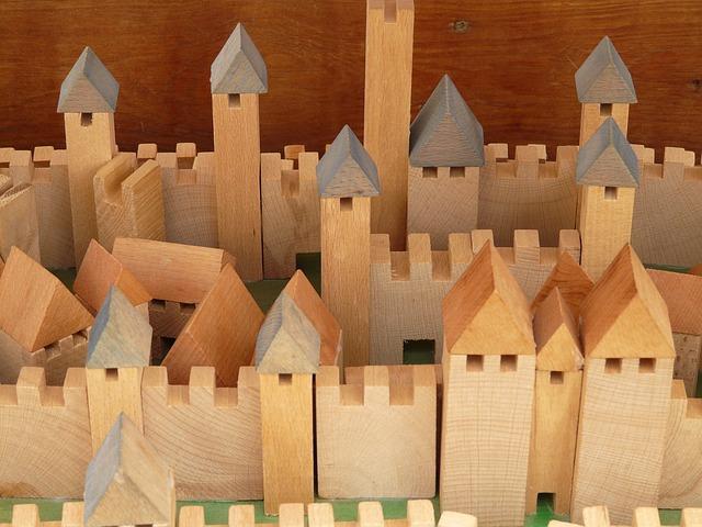 hrad s věžemi ze dřevěných kostek